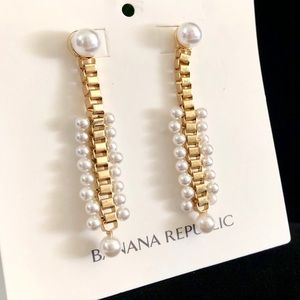 BANANA REPUBLIC gold & pearl boxlink earrings NWT